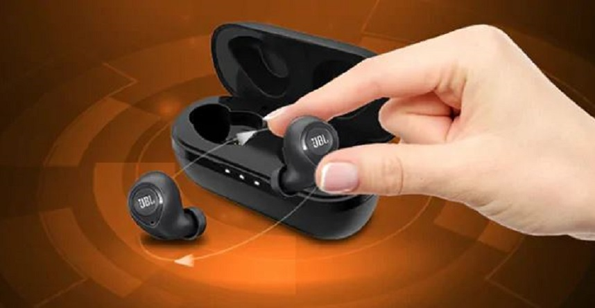 How to Pair Wireless Earbuds Together